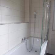 Bad mit Badewanne oder Dusche